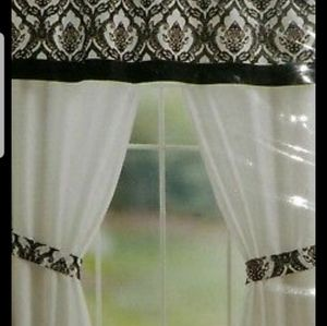 52x84 black and white curtain set